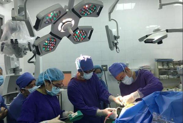 phẫu thuật bằng phương pháp thức tỉnh