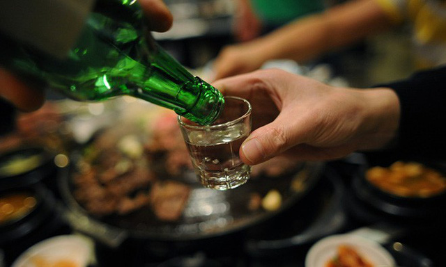 Say rượu khiến cơ thể và tâm trí rơi vàng trạng thái suy yếu (ảnh: internet)