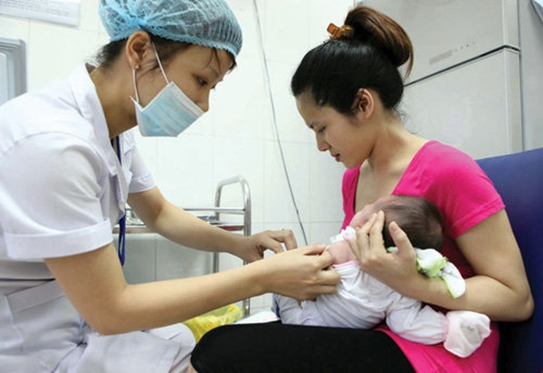 Tiêm vắc xin ComBe Five cho trẻ để phòng ngừa và thanh toán bệnh nguy hiểm ở trẻ (nguồn: internet)
