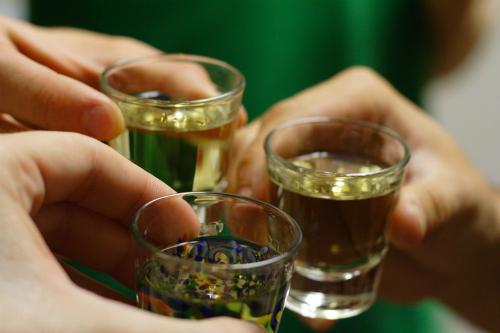 Xử trí say rượu (ảnh: minh họa)