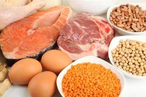 Người viêm cầu thận cần hạn chế ăn các thực phẩm giàu protein (Nguồn: Internet)