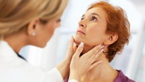 Hình ảnh: Tái khám định kỳ để theo dõi và điều trị kịp thời biến chứng viêm tuyến giáp (Internet)