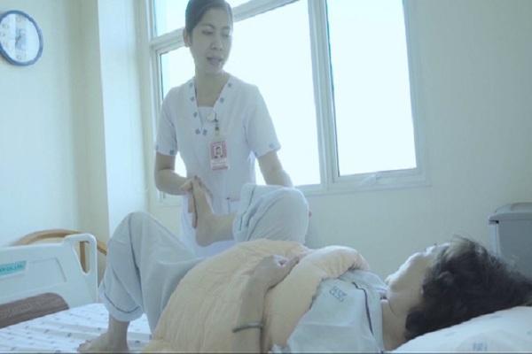 Bệnh nhân được điều trị và chăm sóc tại bệnh viện