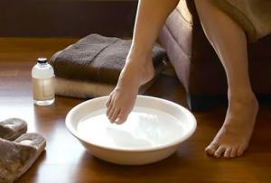 Bệnh nhân tiểu đường cần thận trọng khi ngâm chân