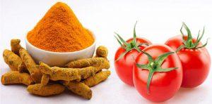 Cà chua kết hợp tinh bột nghệ không chỉ làm mờ thâm mụn mà còn tăng cường độ ẩm cho da