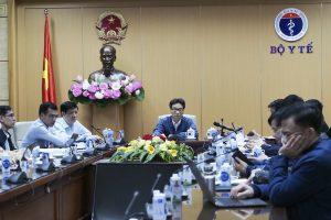 Phó Thủ tướng Chính phủ và Bộ trưởng Bộ Y tế đã tổ chức cuộc họp khẩn trực tuyến với 2 tỉnh Quảng Ninh và Hải Dương khi có thông tin mắc covid - 19 mới. <em>Nguồn: Tuấn Anh</em>
