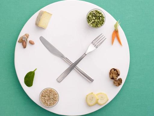 Chế độ ăn uống là nền tảng của điều trị trào ngược dạ dày thực quản