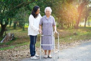 Vận động là một phần quan trọng trong kế hoạch chăm sóc bệnh nhân suy tim
