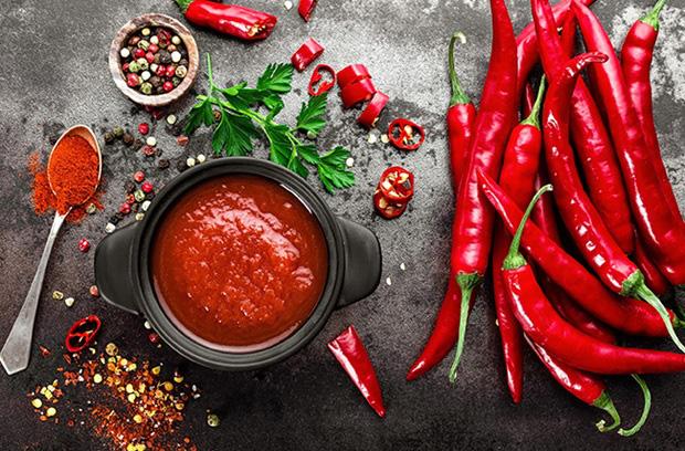 Thực phẩm cay nóng làm da dễ nổi mụn sần sùi