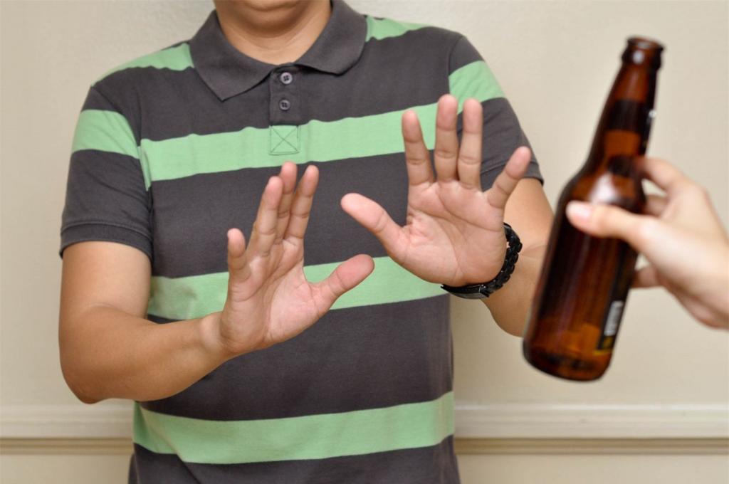 Người bị thiếu máu cơ tim cục bộ cần kiêng uống rượu bia và nước ngọt có gas