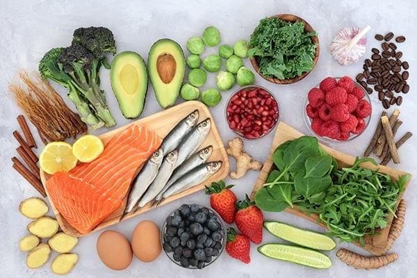 Chế độ ăn hợp lý sẽ giúp người bệnh mạch vành giảm tắc hẹp, ngăn nhồi máu cơ tim