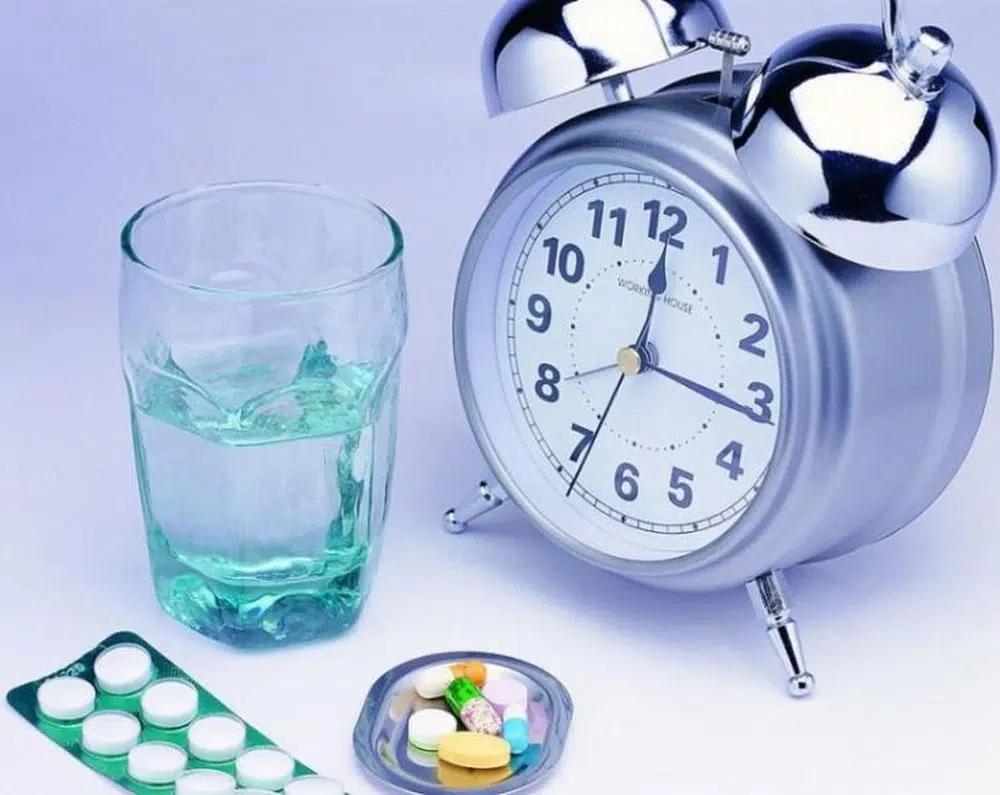 Người bệnh tăng huyết áp cần uống thuốc đúng giờ