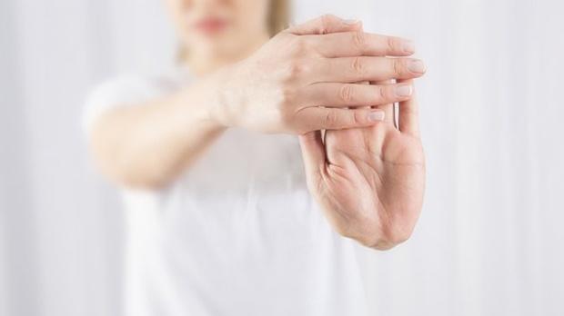 Luyện tay giúp tăng độ linh hoạt, dẻo dai cho bệnh nhân run tay