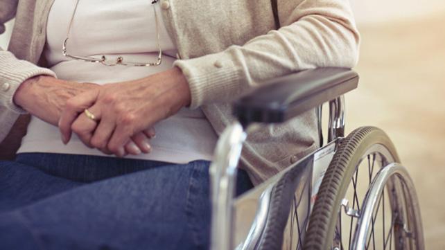 Bệnh parkinson giai đoạn cuối khiến người bệnh không thể tự sinh hoạt một mình