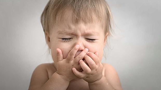 Nên làm gì khi bé bị khản tiếng?