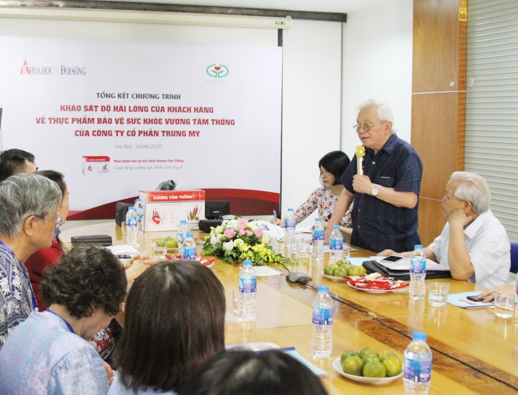 GS. TS Phạm Gia Khải nhận định về Vương Tâm Thống tại buổi tổng kết khảo sát.